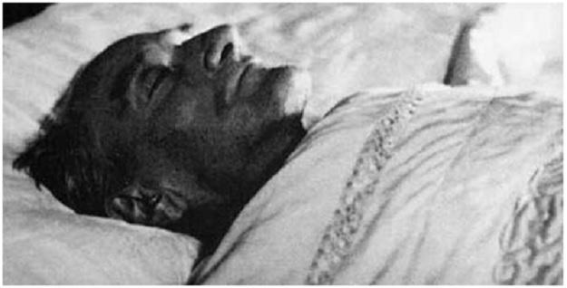 Ο ΚΕΜΑΛ ΑΤΑΤΟΥΡΚ ΝΕΚΡΟΣ (1938)