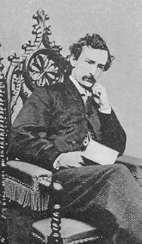 Ὁ Τζων Γουίλυ Μπουθ ήταν αναμφίσβήτητα αυτός που πυροβόλησε τον Λίνκολν, σίγουρα φανατικός φίλους του Νότου και έπαιζε και τον ρόλο του κατασκόπου. Δεν ερευνήθηκε όμως το ότι κατά την έρευνα της συνωμοσίας ανεκαλύφθησαν στοιχεῖα κατά τα οποία ο Μπούθ κυκλοφορούσε πολύ ελεύθερα στους πολιτικούς κύκλους, ενώ τον εγνώριζεκαι ο Lehf Mpaiker.