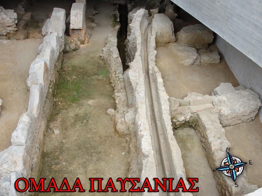 ρίτη Φάση- Δημιουργία του κτιρίου και ανάδειξη των αρχαιοτήτων-Αγωγοί νερόυ