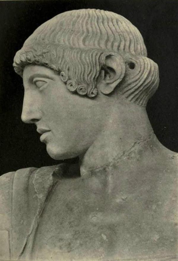 Μνήσομαι οὐδὲ λάθωμαι Ἀπόλλωνος ἑκάτοιο...