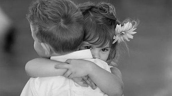 Μία ἀγκαλιὰ εἶναι πάντα μία ἀγκαλιά...