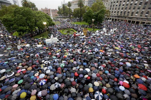 Ἡ Ἀργεντινὴ στὸ στόχαστρο τοῦ Soros.