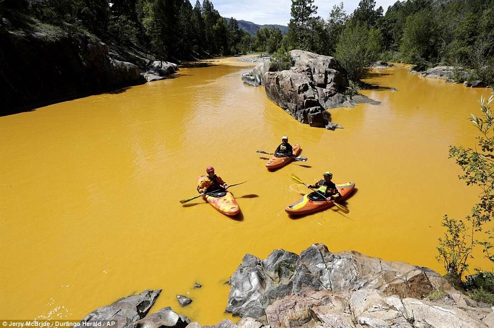 Ὁ κίτρινος (πλέον) ποταμός...1