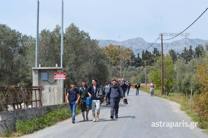 Δὲν εἶναι διαμετακομιστικὰ κέντρα ἀλλὰ στρατόπεδα!!!8
