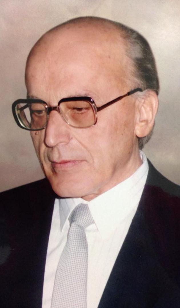 Ο πατριός μου, Ευάγγελος Θ. Βαρζάκας.