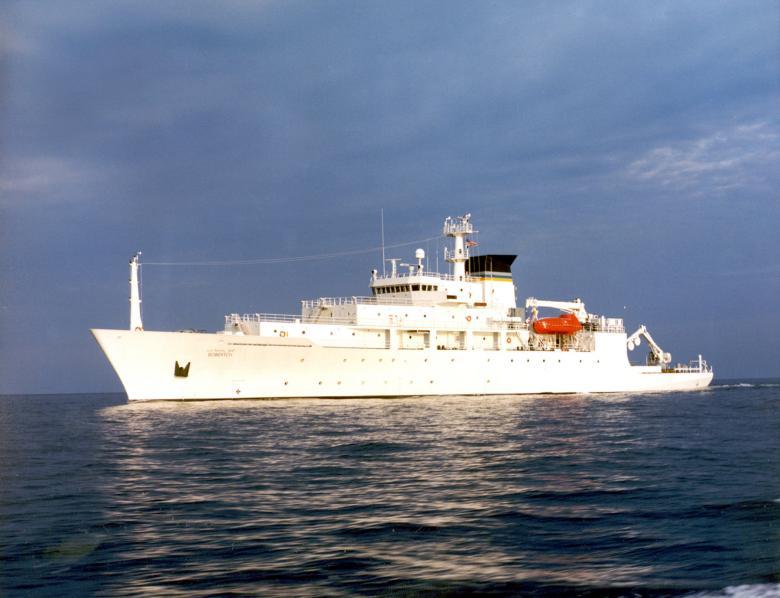 Δέσμευσις ἀμερικανικοῦ ὑποβρυχίου drone στὴν ...Κινεζικὴ θάλασσα!!!